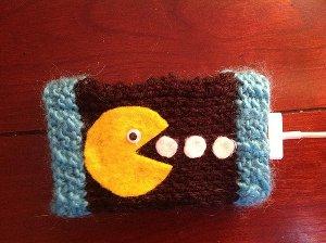 pacman-phone-cozy