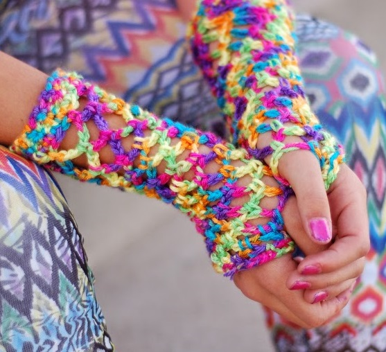 Fingerless Gloves 21 Easy Crochet Patterns Stitch And Unwind