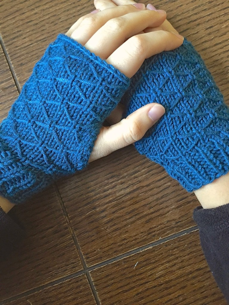 Knit Fingerless Gloves: 16 Free Patterns - Stitch and Unwind