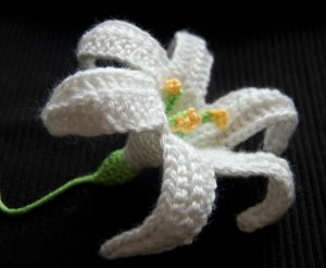 Free Crochet Easter Lily Pattern