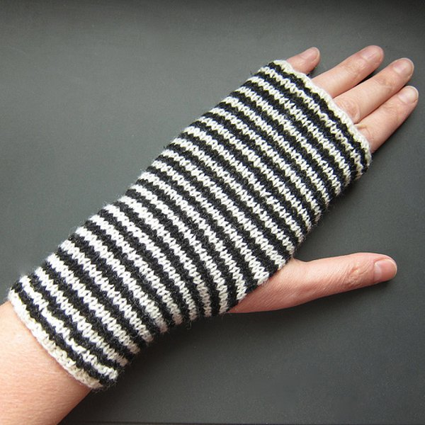 Fingerless Mittens 6 New Easy Knitting Patterns Stitch And Unwind