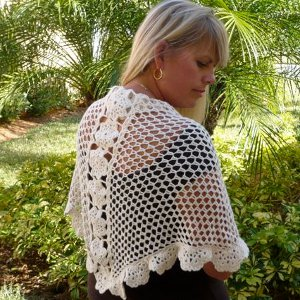 ElegantCrochetFlowerShawl