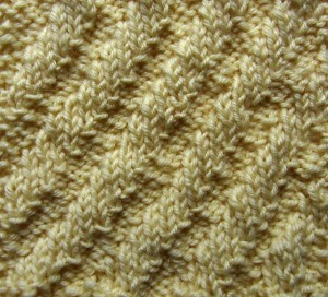 Diagonal Rib, free #knitting sampler square pattern by @ucrafter on Stitch & Unwind by @allfreeknitting