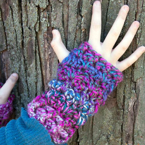 one skein fingerless gloves