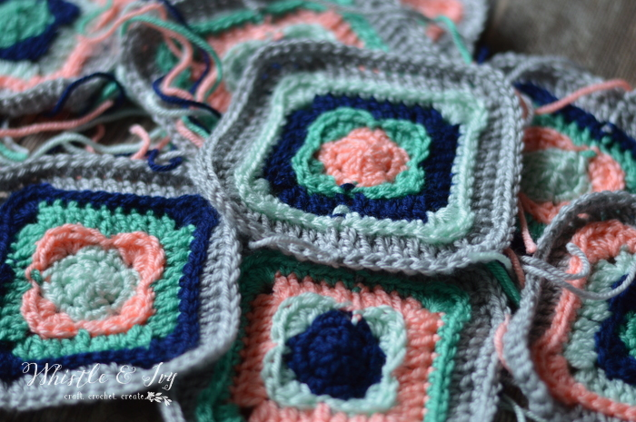 FREE Crochet Pattern: Granny Square Cowl - Made with a bit of classic and a lot of modern, this pretty cowl is perfect for the cooler months.