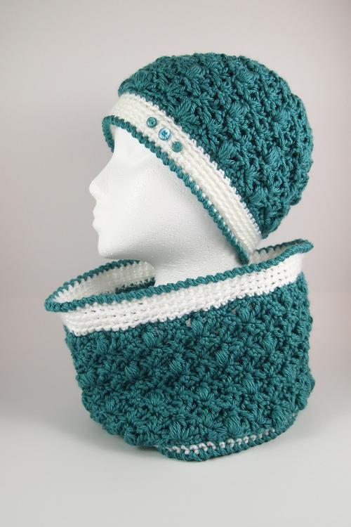Celestial Circle Crochet Cowl