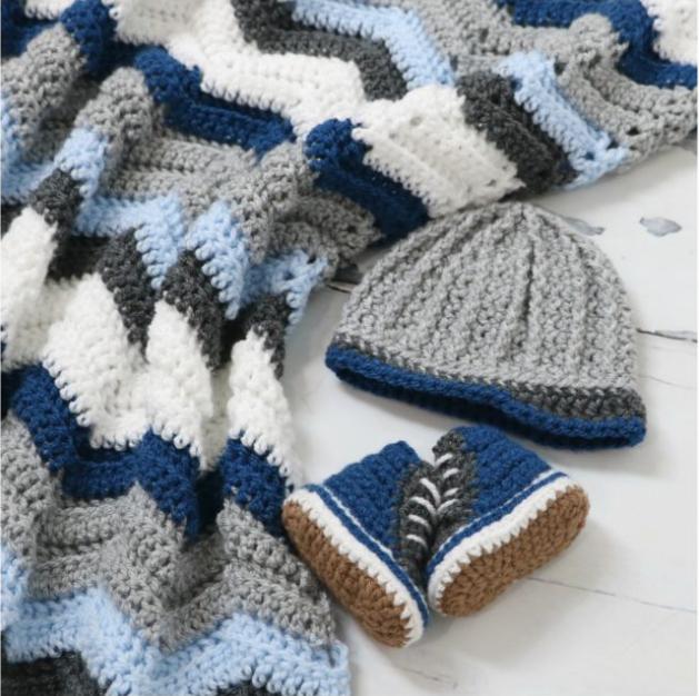 Baby High Tops Set With FREE Chevron Stitch Blanket Pattern